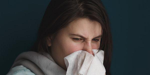 10 razões comuns e incomuns para um nariz entupido