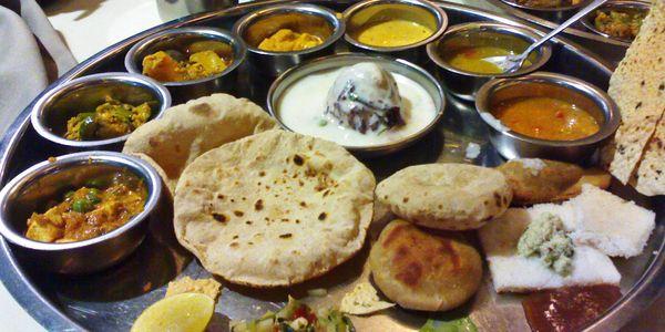 Alimentos típicos indianos – fatos de nutrição, fotos