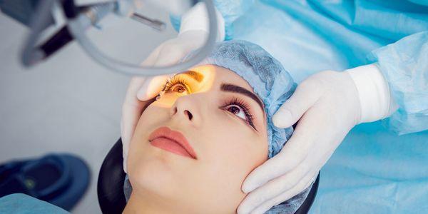 Cirurgia refrativa ocular para visão noturna, visão panorâmica e astigmatismo