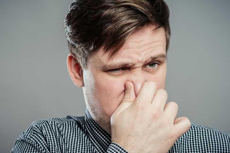 Odor do movimento do intestino