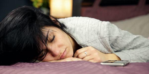 Sensação de estômago enjoado, depois de comer e à noite