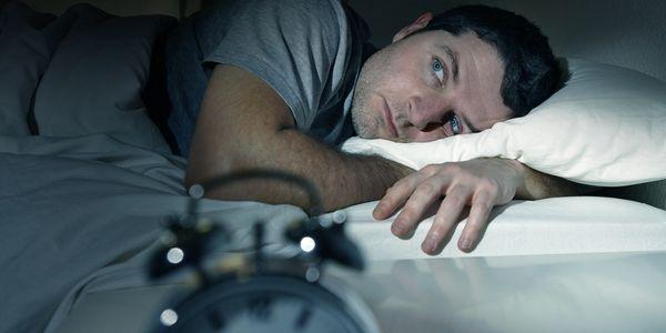 Azia e problemas para dormir – razões e remédios