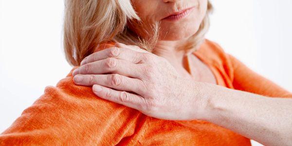 Causas de dor no ombro e outros sintomas