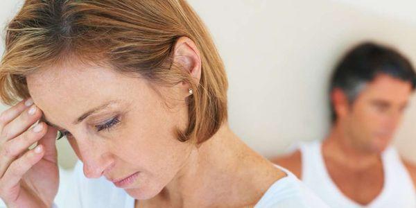 Causas de ondas de calor na menopausa (mulheres e homens)