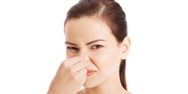 Causas e remédios para o mau cheiro da virilha (Smelly Groin)