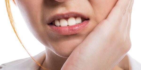 Dentes dolorosos e gengivas sem cavidades tmj problema