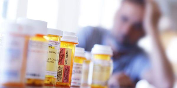 Dependência de opiáceos, overdose, efeitos colaterais, sintomas de abstinência