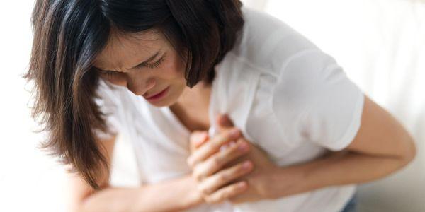 Dor entre seios (dor de clivagem) causas e vídeo