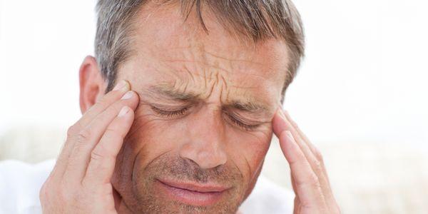 Dores de cabeça e tontura (luz dirigida, vertigo) faz com que