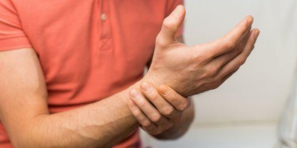 Dormência do braço, formigamento das mãos e dedos