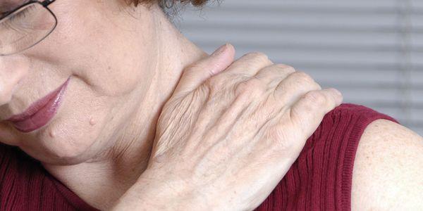 Efeitos colaterais de estatinas, dor muscular, neuropatia, dano hepático