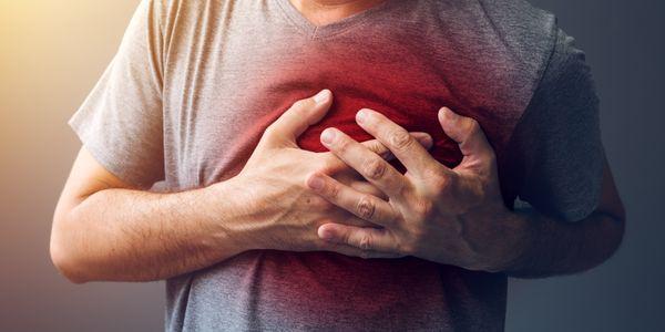 Esmagando a dor no peito – Causas de dor apertada e constritiva no peito