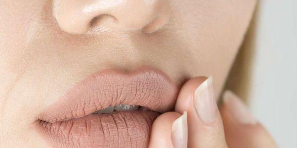Estomatite (boca inflamada) Causas da boca Inflamação, irritação