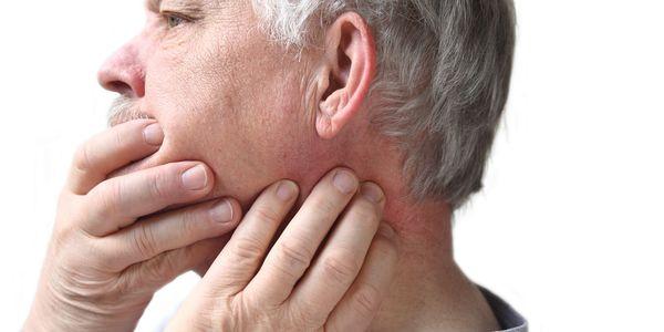 Músculos da mandíbula apertados (duro e dolorido) causas, tratamentos, remédios