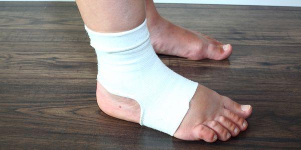 Perna inchada e inchaço dos pés, tornozelo e dedos dos pés