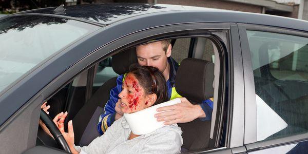 Traumatismos Acidentes de Carro – Sintomas, Diagnóstico, Imagens, Prevenção