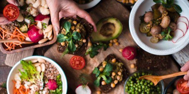 alimentos ricos em gordura saturada para evitar listar os riscos para a saúde