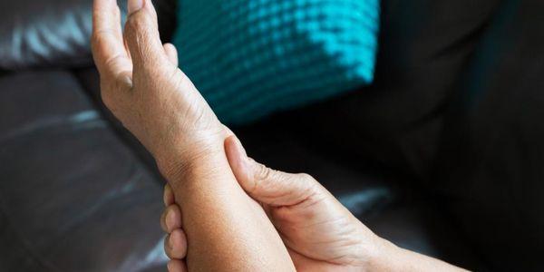 artrite nas articulações inflamadas causa sintomas de fisiopatologia