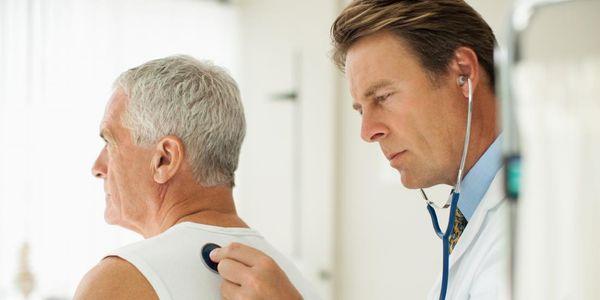 causas de estridor e respiração ofegante