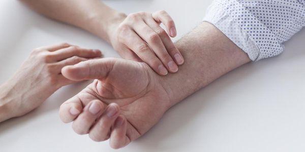 causas de pulso baixo de uma bradicardia de ritmo cardíaco lento