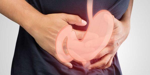causas e condições de inchaço abdominal