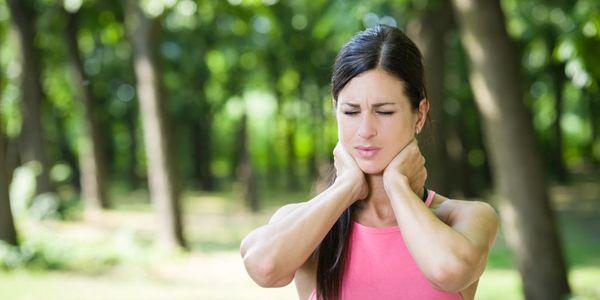 causas e tratamento do espasmo do pescoço