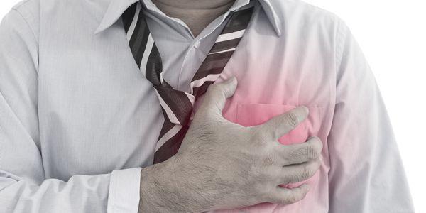 dano cardíaco com um ataque cardíaco permanente e irreversível