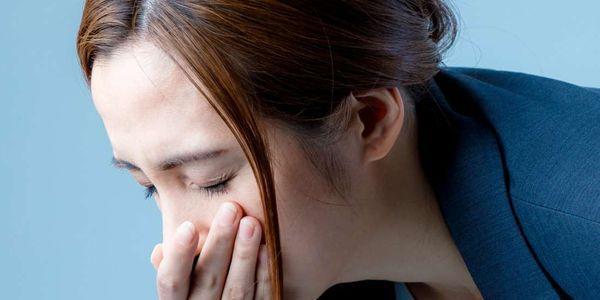 dor de cabeça náuseas e vômitos qual é a causa