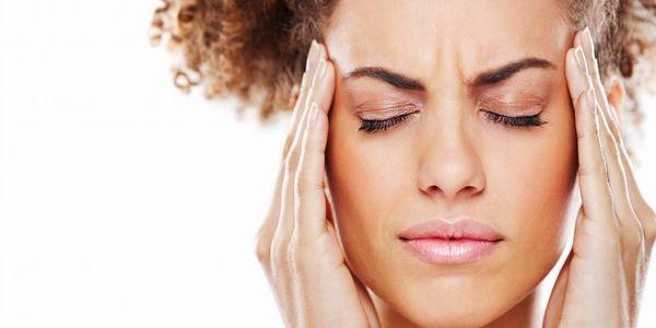 dor de cabeça na testa causa sintomas e tratamento