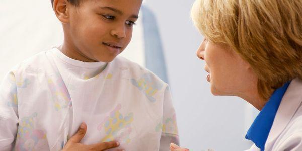 dor de estômago em crianças causas e outros sintomas