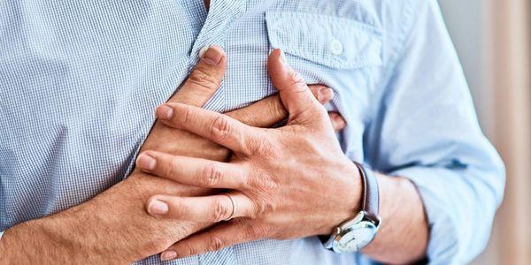 dor no peito do nervo