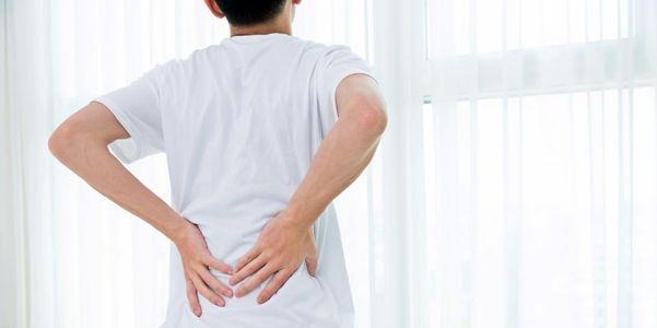dor no quadril e dor nas articulações do quadril e outros sintomas