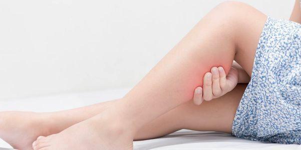 fatores de risco causas de cãibras nas pernas durante a noite