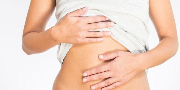 inchaço fluído de causas e tratamento do estômago e do abdômen