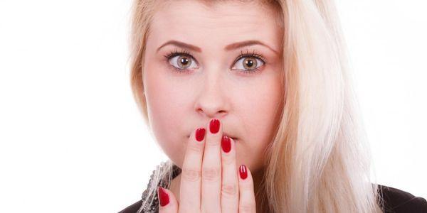 lábios escuros causas de descoloração labial marrom preto ou azul