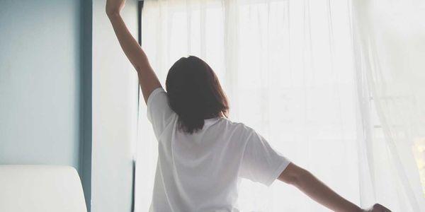 maneiras de aumentar seus níveis de energia depois de acordar