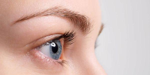 o que fazer para uma lesão ocular e queimadura química