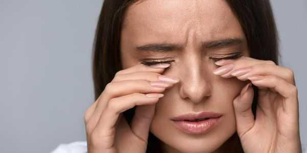 olhos ardentes e sensação de calor em um ou ambos os olhos