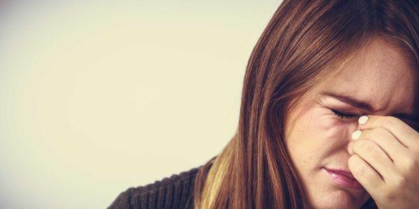 olhos lacrimejantes e lágrimas excessivas epiphora