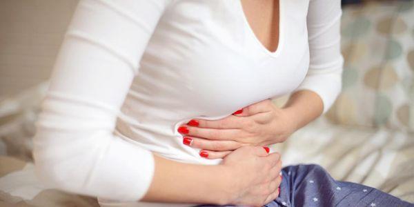 remoção dos sintomas de impactação fecal das fezes impactadas no reto