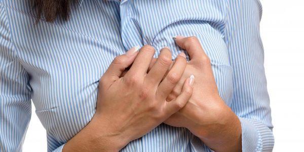 sensação de peito pesado e outros sintomas