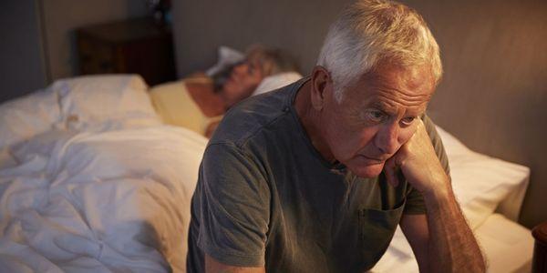 sintomas de sono insuficientes causam tratamento de remédios