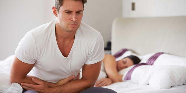 sintomas do estômago da manhã e dores de fome ao acordar