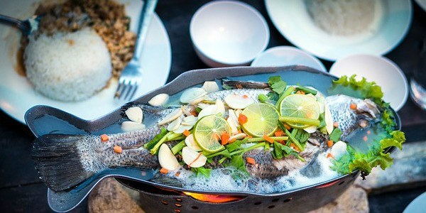 tipo e envenenamento de peixe e marisco causas e sintomas