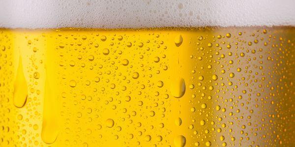 urina espumosa provoca espuma branca de bolhas